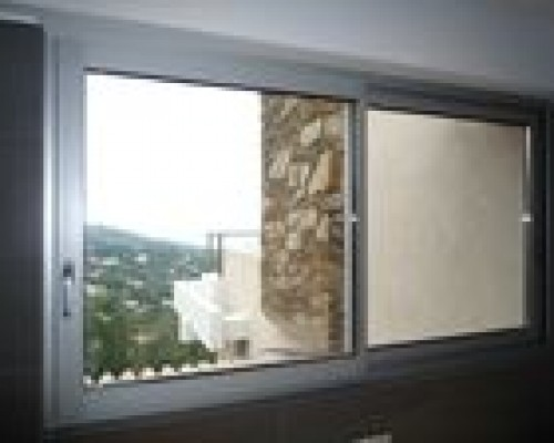 Fenêtre coulissante de la gamme Schüco Série 28