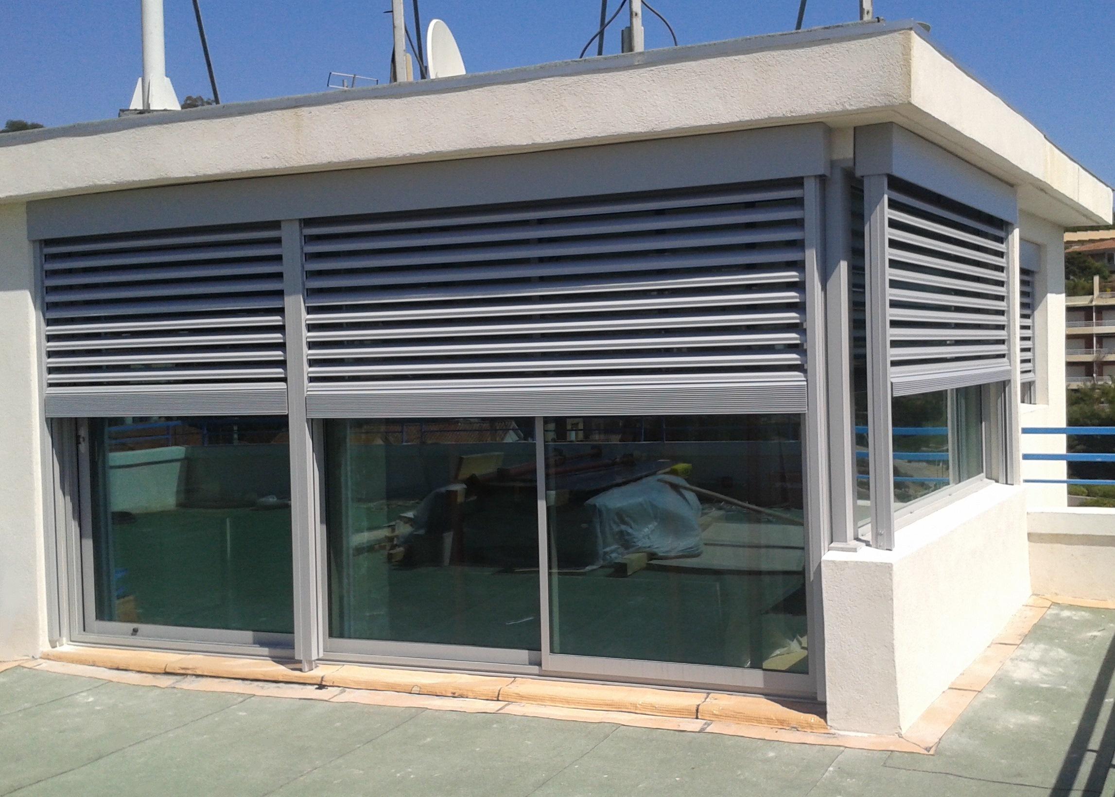 Porte de garage enroulable pas cher portail de garage for Porte service pvc pas cher