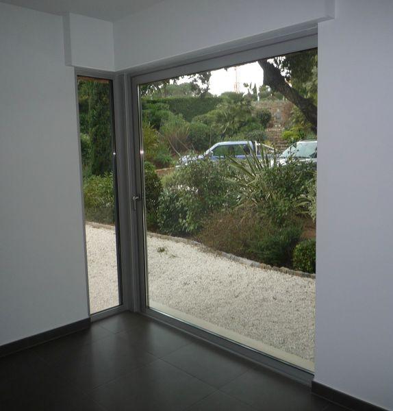 Ch ssis d 39 angle de la gamme sch co grimaud - Baie vitree escamotable ...