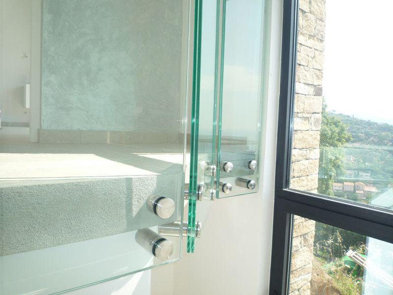 garde corps d 39 int rieur en verre lavandou. Black Bedroom Furniture Sets. Home Design Ideas